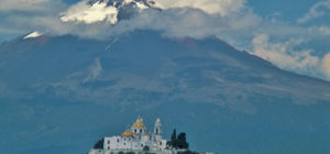 Vulkaan Popocatépetl kleurt delen Mexico met asgrijs
