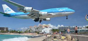Boeing 747 van KLM scheert voor het laatst over Maho Beach