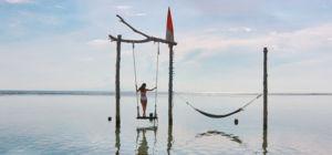 Zwemmen met mantaroggen bij de Nusa-eilanden